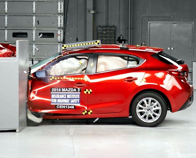 Mazda 3 краш тест