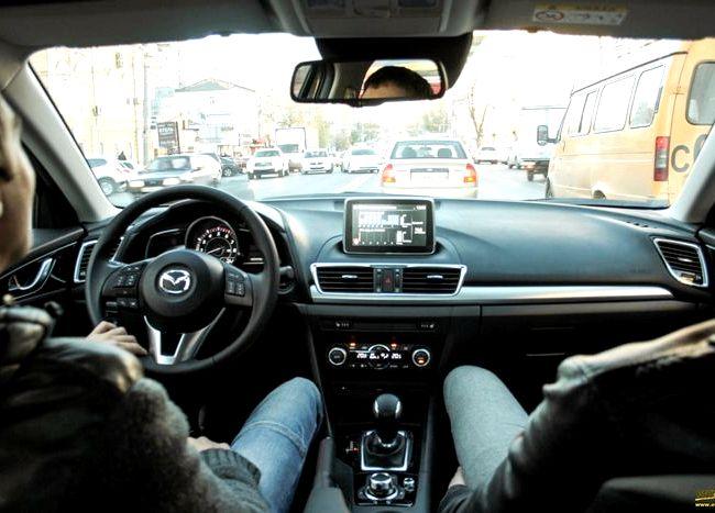 Mazda 3 тест драйв Помимо пижонской внешности этот