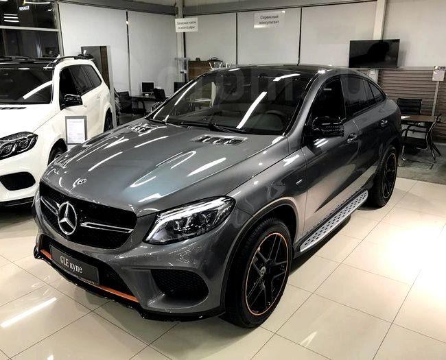 Мерседес Гле Купе 2017 тест драйв видео Mercedes-Benz на крышке багажника