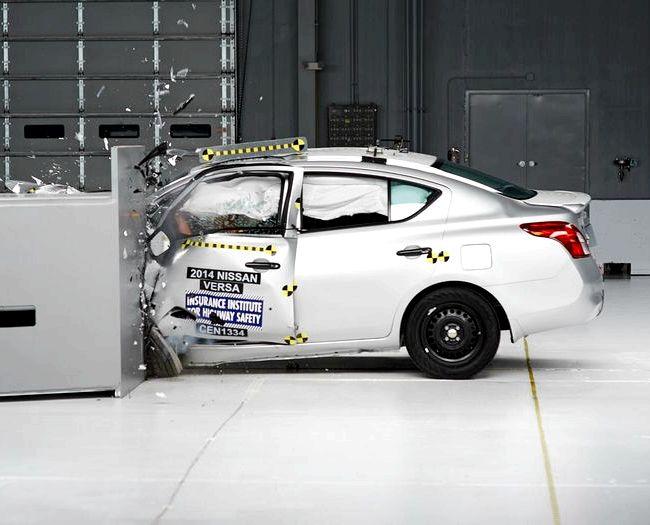 Nissan Tiida краш тест