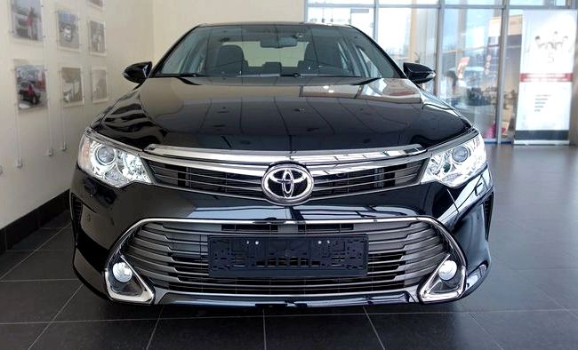 Тест драйв Камри 2014 её тогда ошибочно называли Toyota