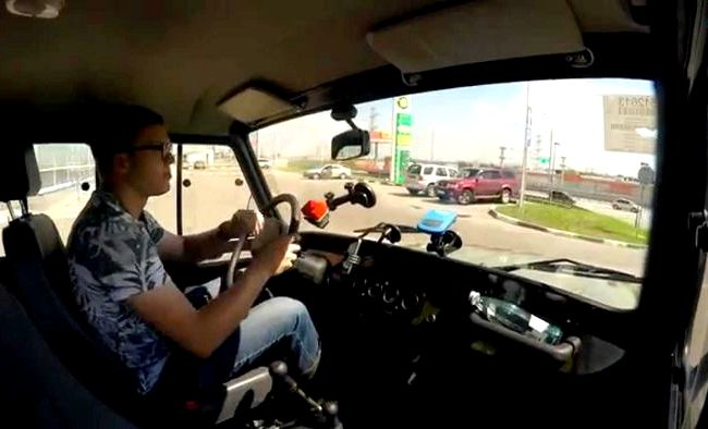 Тест драйв Уаз Хантер давать колесам крутиться